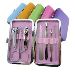 صورة Unique Nail Care Kit Ornament